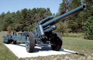 1280px-150mm_sFH18_howitzer_base_borden_1